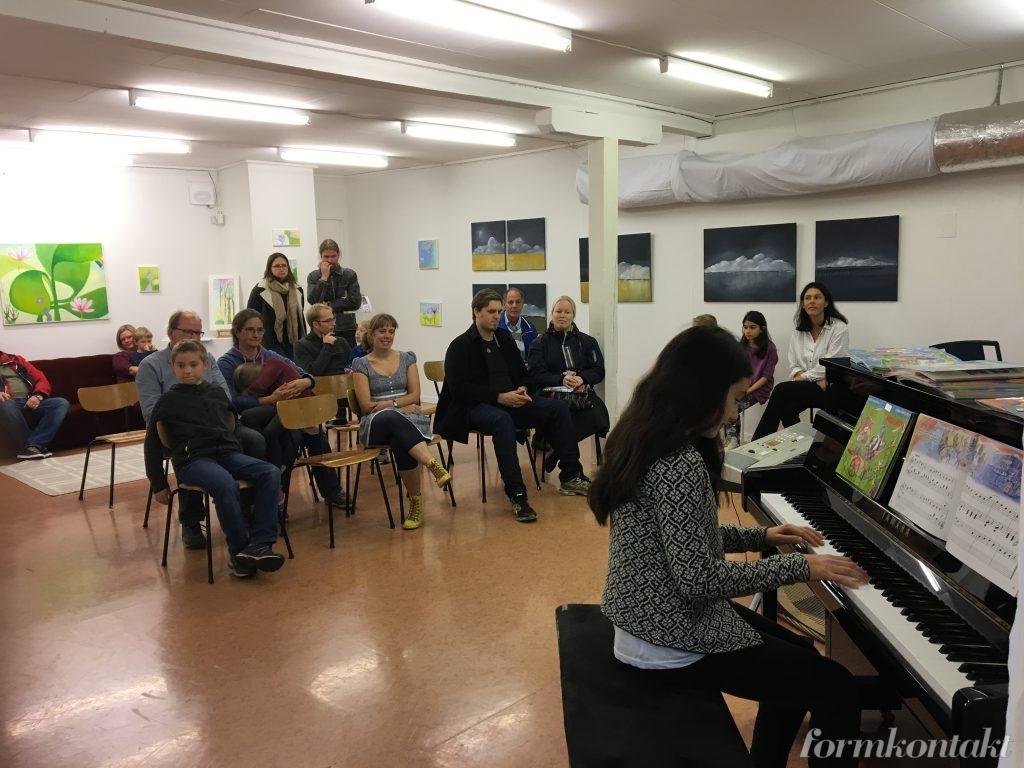 Hattfabrikens musik, spela piano från 4 år i Falköping